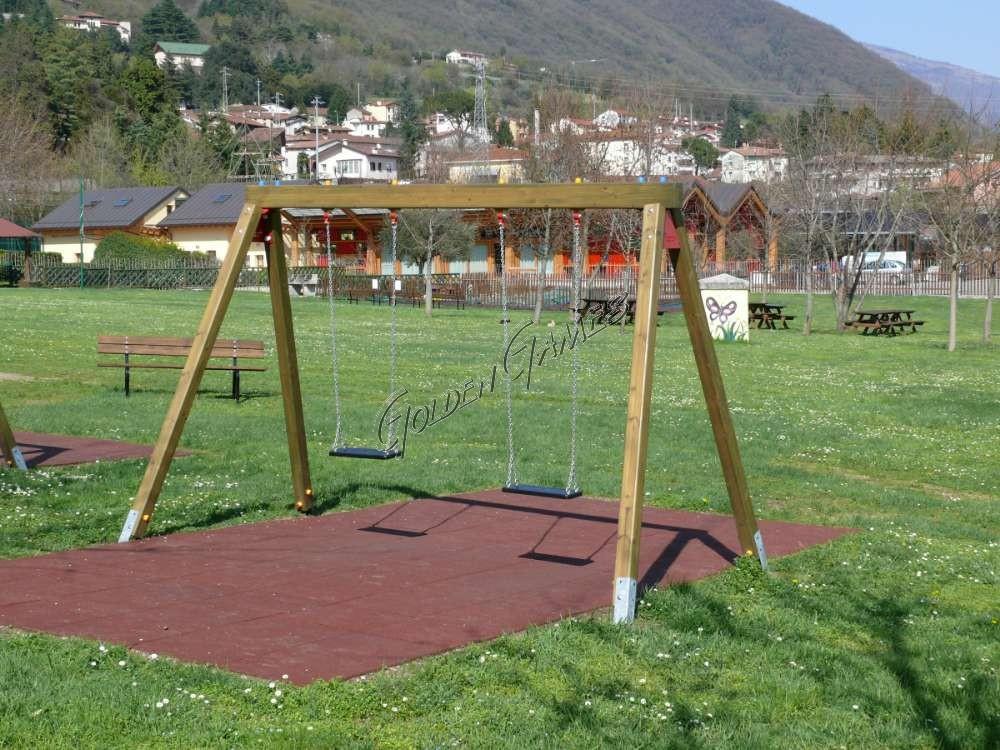Altalena per bambini uso pubblico for Altalena legno usata