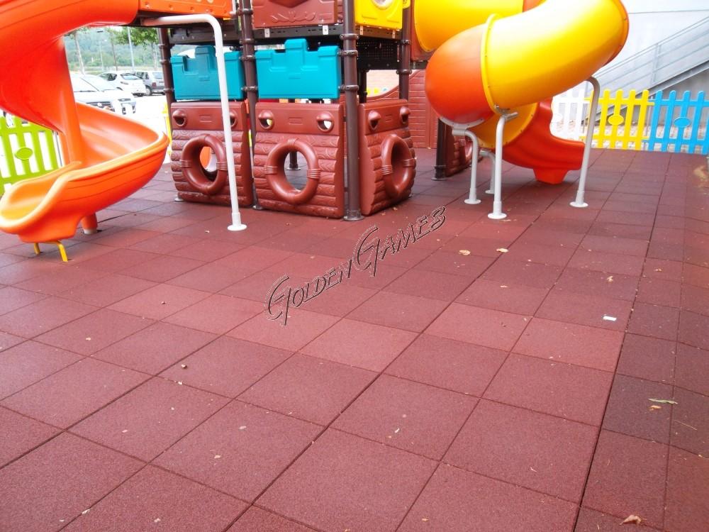 Pavimento In Gomma Per Esterno : Pavimentazione antitrauma per esterni spessore cm