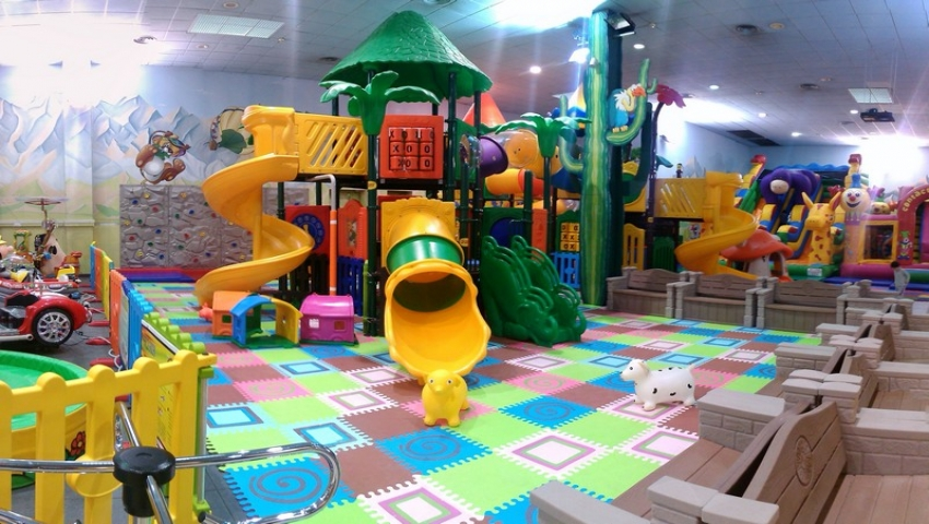 Sala Giochi Bimbi : Baby playcenter parco giochi gonfiabili u paradise